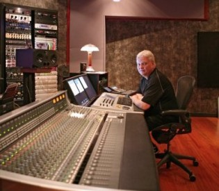 Producer Michael Wagener (Skid Row, Crue,Dokken) talks shop with LRI