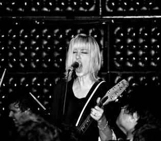 The Muffs Kim Shattuck talks to LRI about the Pandoras, garage rock and touring