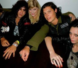 Guns N' Roses insider, manager and consultant Vicky Hamilton (THE ART, Motley Crue, Stryper,Poison) talks shop with LRI