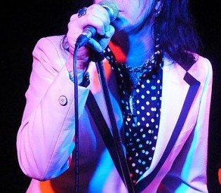 L.A. GUNS Phil Lewis talks about Hollywood Forever, the transition from U.K. to L.A. and more