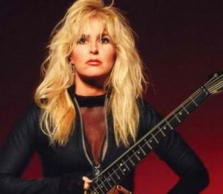Lita Ford talks about her Runaways days, her new album and much more with LRI