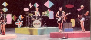 Susanna with the early Bangles and a slight sixties influence