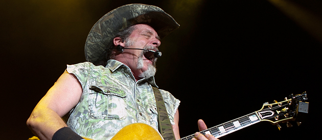 Ted Nugent- DTE Energy Music Theatre – Clarkston, MI – 8/02/13 (Photos)
