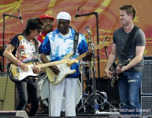 Ronnie Wood, Buddy Guy and Jonny Lang, photo by Michael Stewart