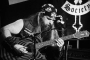 "Zakk Wylde Shoots on 25th Anniversary of ""No Rest For The Wicked"", Signature Coffee, ""Unblackened"", Brett Favre and The NFL and More!!"