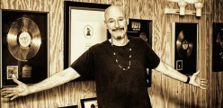 "Kiss Kontributor and Studio/Guitar Guru Bob Kulick:  "" I remember thinking… Is there anybody who could really think thats Ace playing, Really??"""