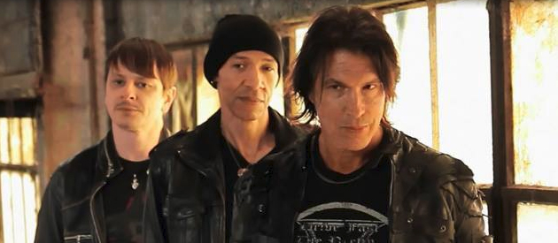 "George Lynch on KXM: ""It really became a sink or swim situation"""