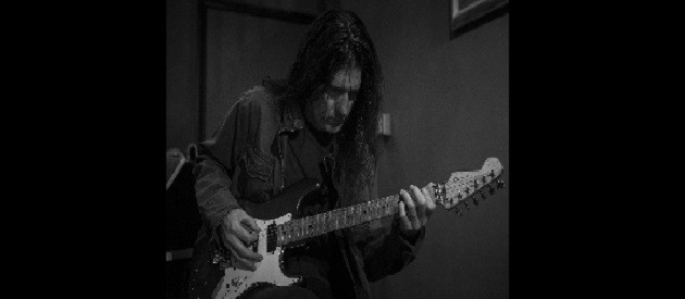 In-depth interview with Joe Holmes about Farmikos, his time as a student of Randy Rhoads, his stints in Lizzy Borden, David Lee Roth and Ozzy as well as the impact his Dad had on his life as a musician